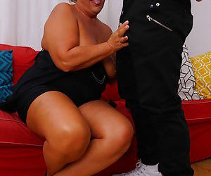 Chubby housewife doing her toy boy - part 2586