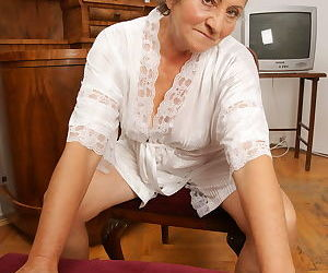 Old and horny as always - part 2938