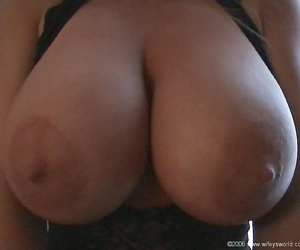 Busty wife wifey gives hubby a handjob - part 883