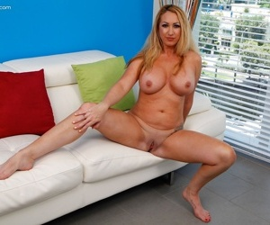 Busty mature babe janna hicks naked and on all fours - part 3