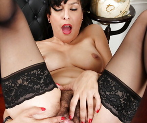 Attentive maid in stockings Betty Jones gets inside her hairy hole