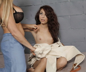 Mature lesbian babe Dyanna Lauren seduces Riley Jensen with tiny tits