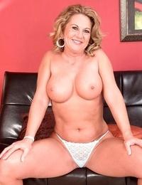 Big-titted mature girl cali houston posing in undies - part 1494