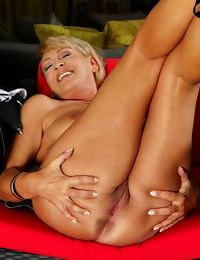 Chesty wife andrea spreads her older pussy enrapture - part 419