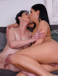 Naughty scorching babe doing a lezzie mature woman danila - part 3105
