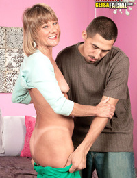 Mature daisy lou toying with a young dick - part 1172