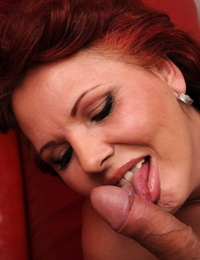 Redhead granny Caitlin open her vagina lips and receives a rough penetrating
